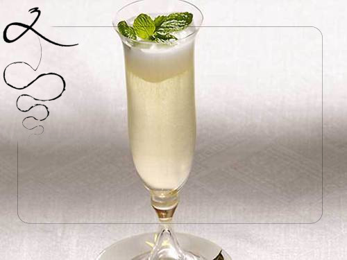 Vuoi un cocktail rinfrescante? Prova il Lemon Sherbet Fizz